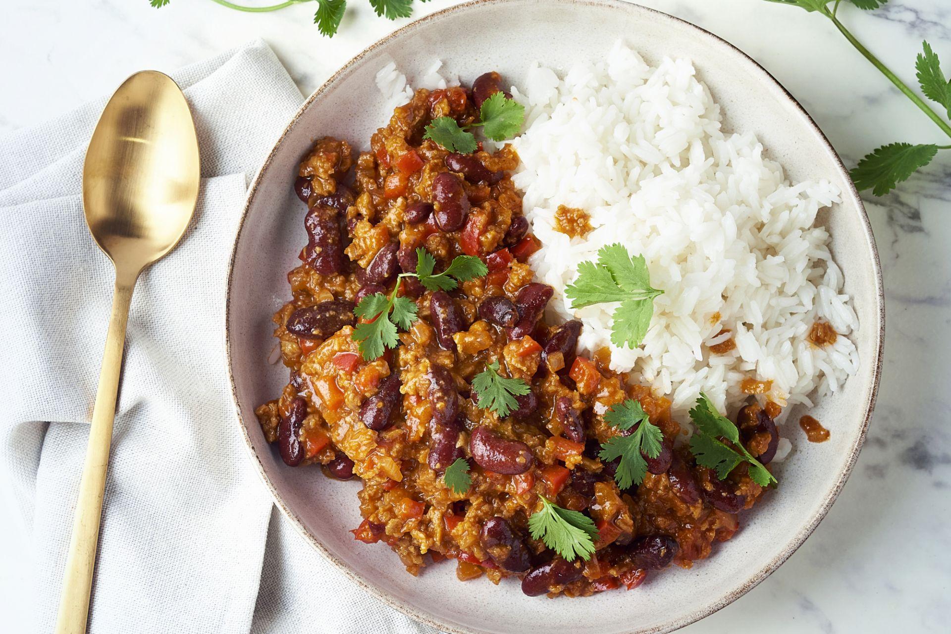 Snelle chili met veggie gehakt en rijst