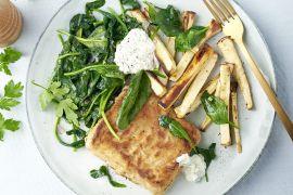 Foto van Krokante visfilets met spinazie en pastinaakfrietjes
