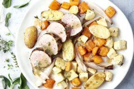 Foto van Varkenshaasje met groenten en aardappelen uit de oven