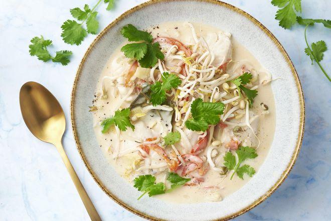 Thaise tom kha met vis